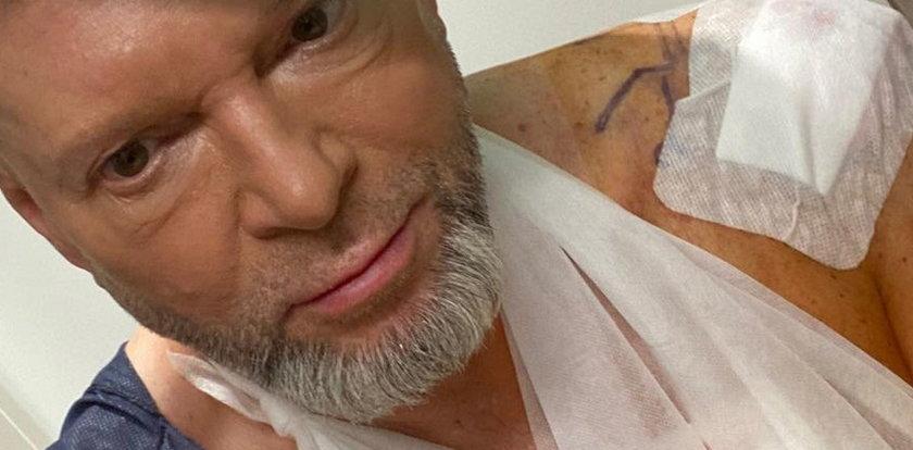 Rutkowski trafił do szpitala. Po operacji pokazał się fanom. Internauci pytają: co się stało z fryzurą?