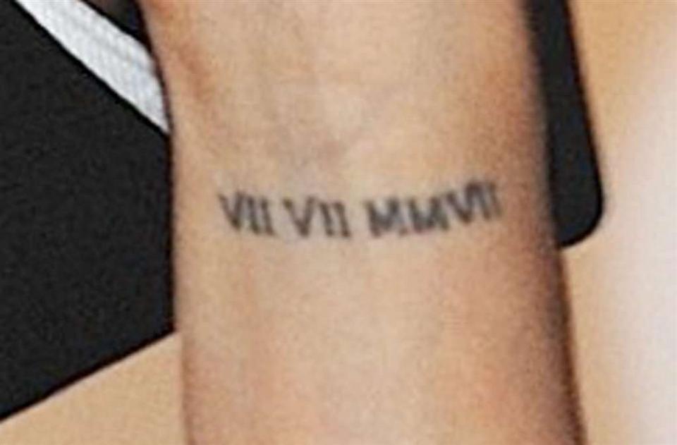 Longoria Usunie Tatuaże