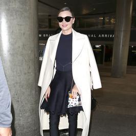 Miranda Kerr nawet na lotnisku jest ikoną stylu. Bosko!