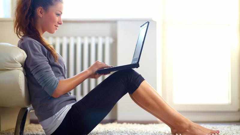 Tanie kursy internetowe sposobem na samodoskonalenie i rozwój zawodowy