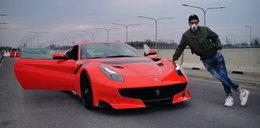 Kuba Wojewódzki znów chwali się prędkością Ferrari. Prezenter żartuje z ostatniej afery