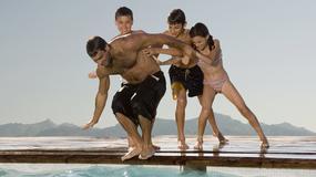Przepychanki nad basenem to niewinna zabawa? Nic bardziej mylnego