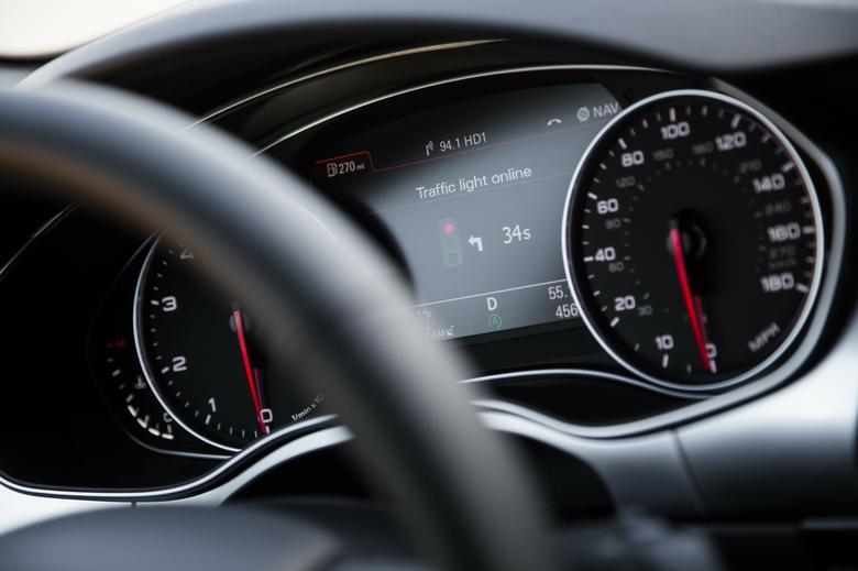 ile poczekamy na swiatlo - nowy system w Audi