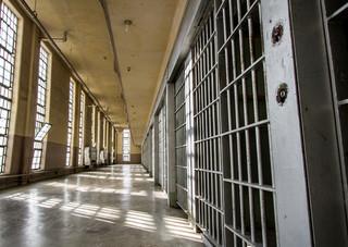 Prokurator zatrzyma skazanego za kratami. Nadchodzą zmiany w kodeksie karnym wykonawczym