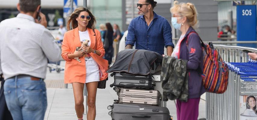 Małgorzata Rozenek i Radosław Majdan z psem wylatują do Mediolanu. Internauta: trzeba odpocząć po urlopie