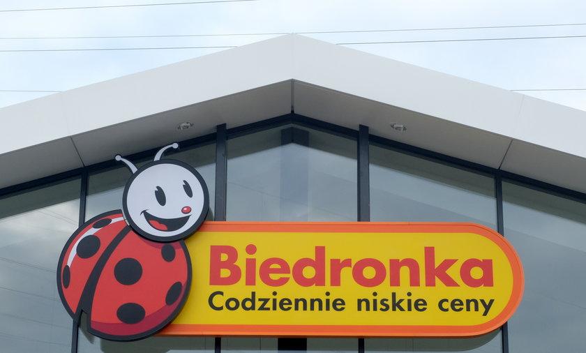 Kilkadziesiąt sklepów Biedronki będzie działać w niedziele.