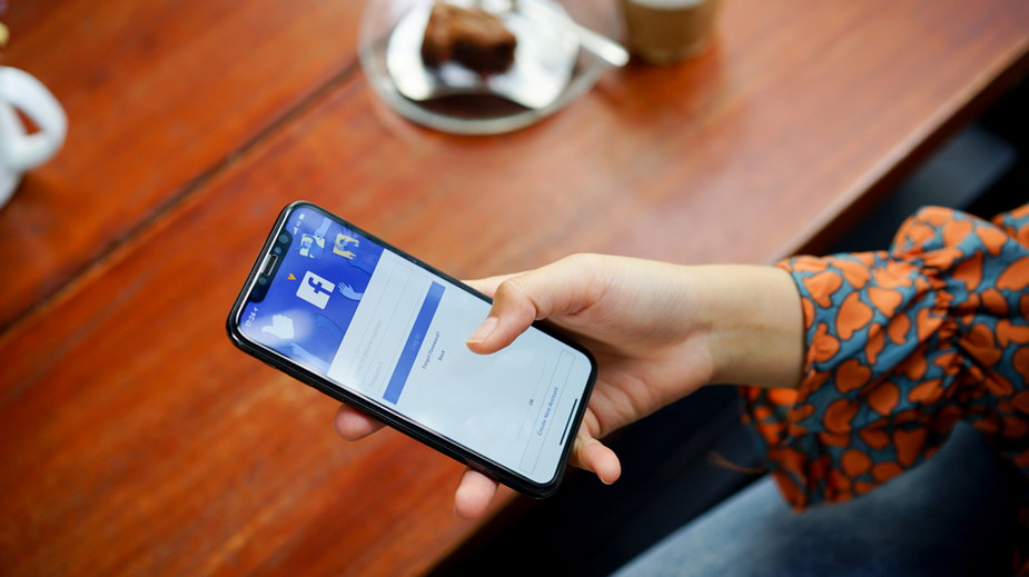 Niedrogie smartfony z dużymi wyświetlaczami - co wybrać?