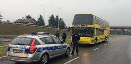 Kierowca autobusu pędził autostradą pod prąd