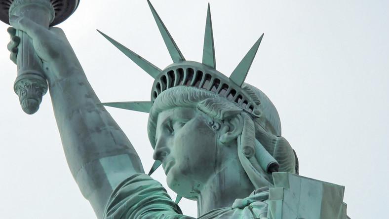 Rosjanie aranżowali wiece, kupowali polityczne reklamy, podając się za amerykańskich aktywistów