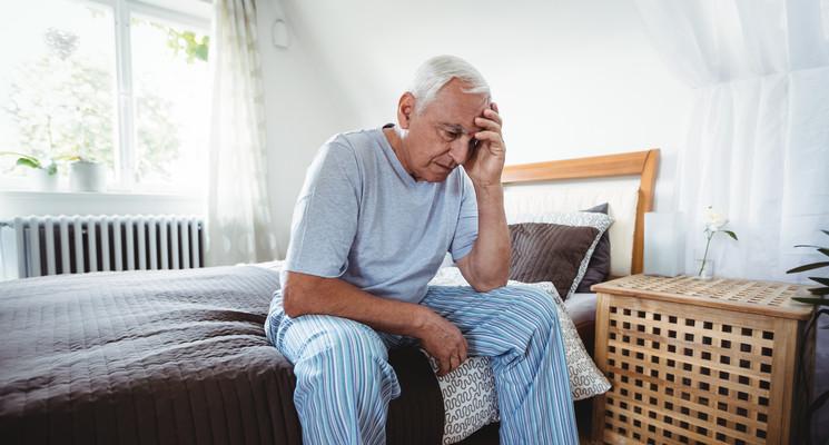 Seniorzy z powodu rozprzestrzeniającego się koronawirusa powinni unikać miejsc publicznych