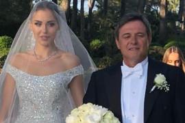 Na venčanju Piksijeve ćerke u Francuskoj pevala je NAŠA PEVAČICA, a kad vidite u kakvom izdanju se pojavila...