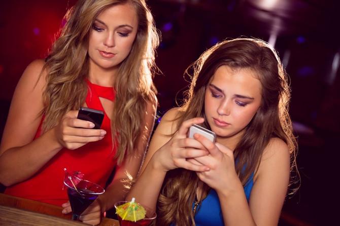 Slanje poruka bivšem i alkohol se ne mešaju