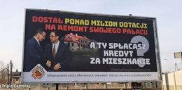 Uderzyli plakatem w Obajtka. Ale chcieli w Morawieckiego i Kaczyńskiego