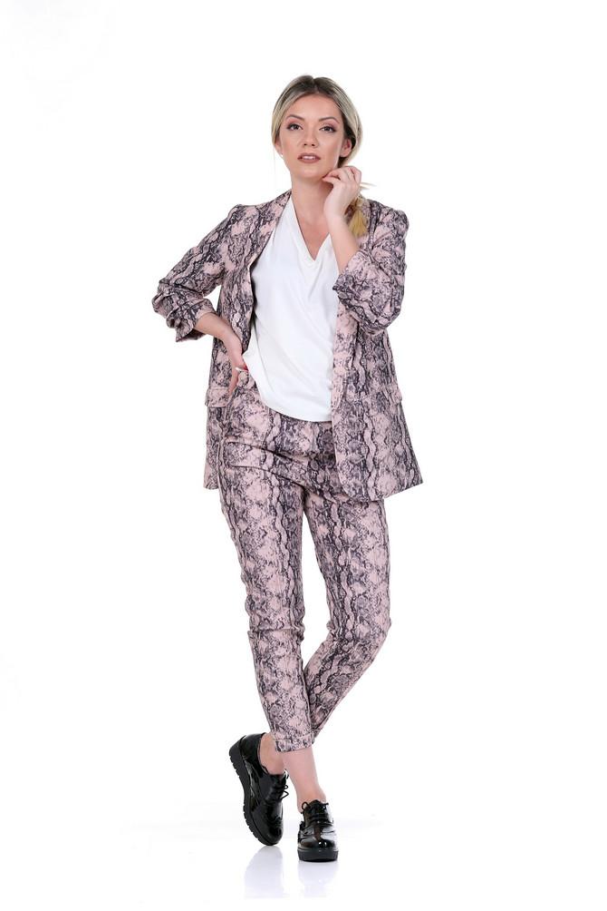 """Sako, pantalone i majica """"Reserved"""", 3.999, 2.999 i 1.199 din, cipele """"Metro"""", 3.890 din"""