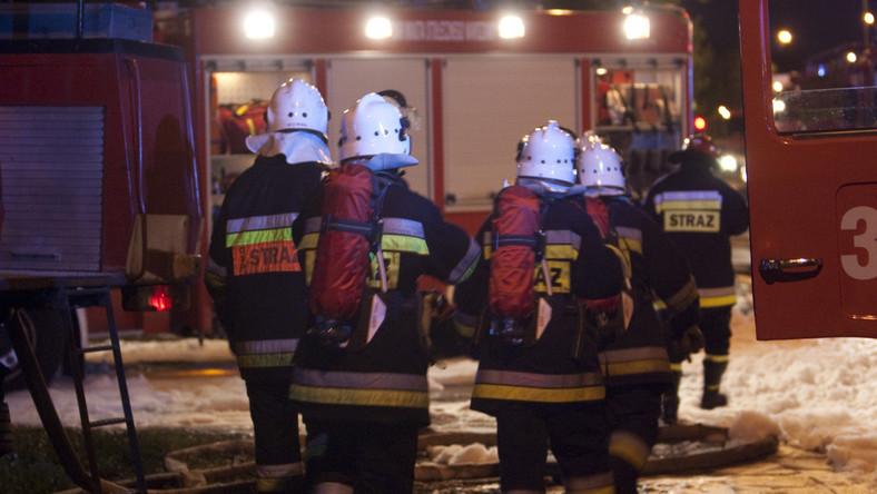 Groźny pożar przy obozie w Brzezince