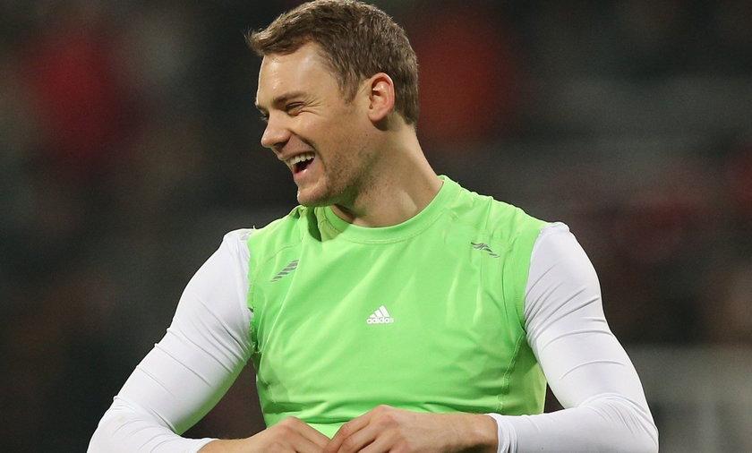 """Neuer śmieje się z Ronaldo: """"Jestem sportowcem, a nie modelem w majtkach"""""""