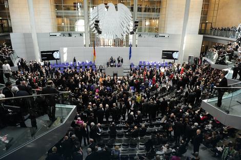 Jasno izneti zahtevi:Bundestag