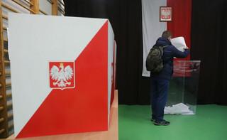Czy można robić zdjęcia przy urnie wyborczej?