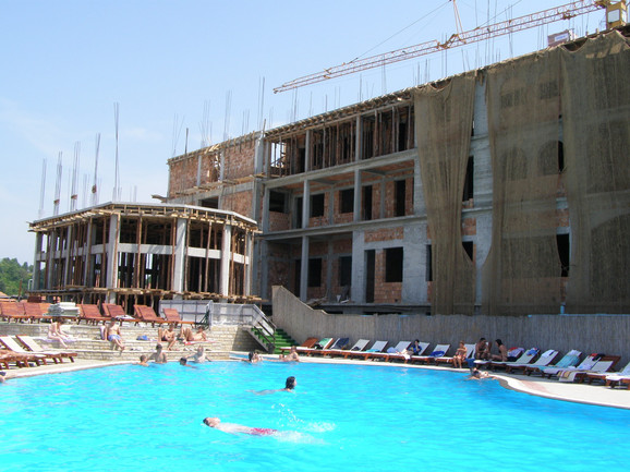 Izgradnja hotela u Vrujicima počela pre devet godina
