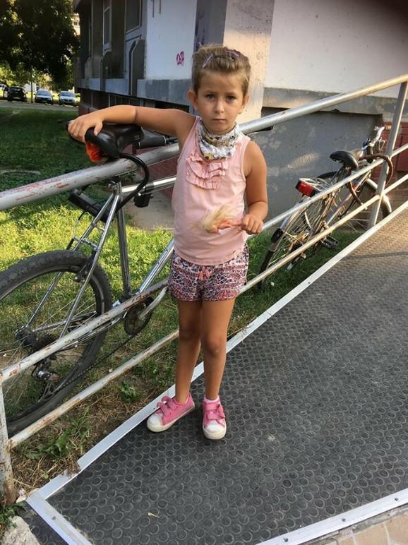 Naucila je da hoda sa tri godine
