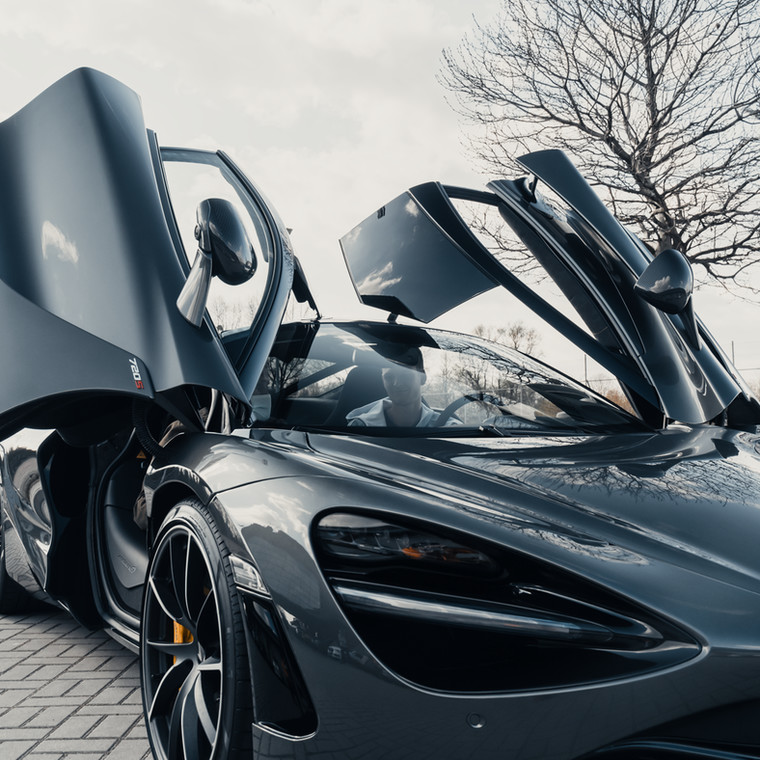 Hubert Hurkacz i McLaren 720S