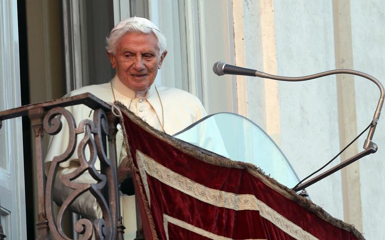 Papież w Castl Gandolfo