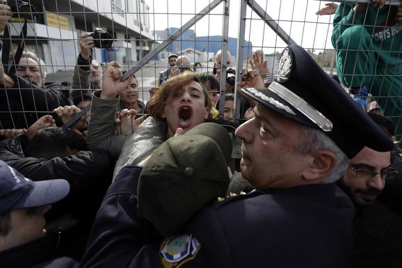 Hrvatske i mađarske vlasti ili žmure na kršenja prava izbeglica ili ga podržavaju