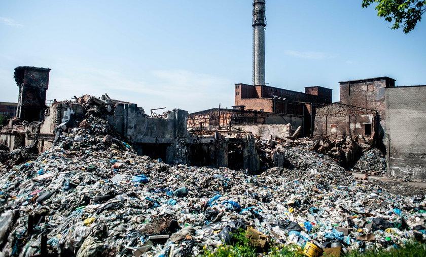 Groźne wysypisko śmieci w Kluczach