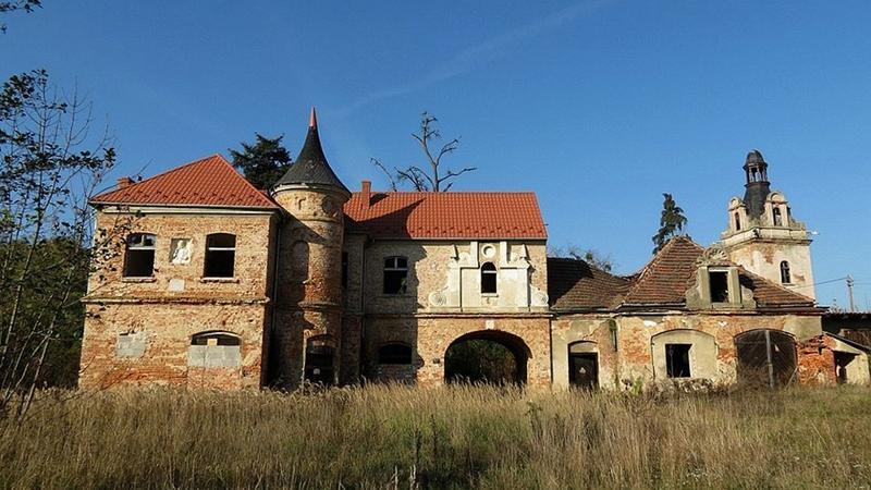 Samborowice koło Ziębic - zrujnowany pałac