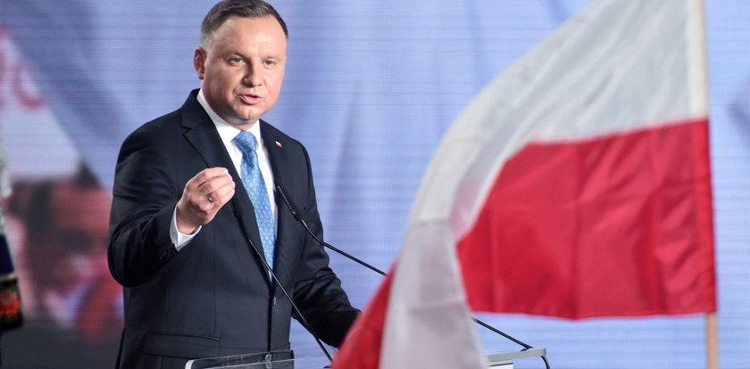 Prezydent: średnia pensja ma wynosić 2 tys. euro. Ekonomiści: to marzenie