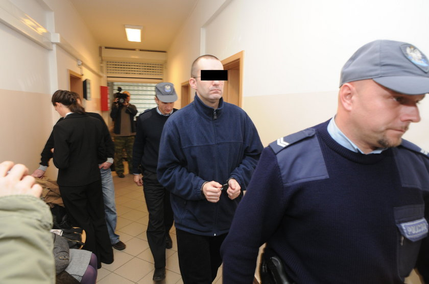 Poznań: Towarzystwo Chrystusowe chce odzyskać milion wypłacony ofierze księdza pedofila