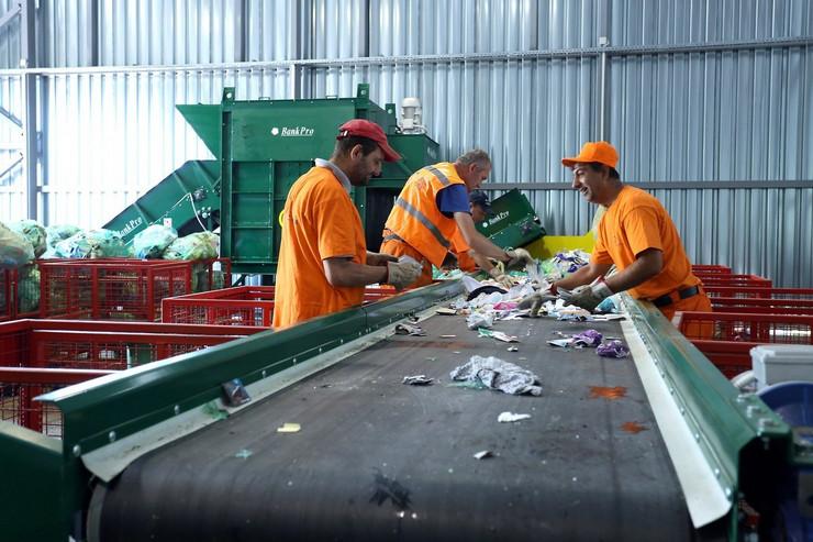 Otpad se sortira u samom reciklažnom dvorištu