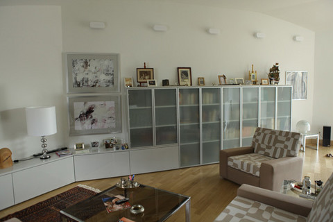 Kuća joj je srušena, a u novi stan je donela samo nekoliko kutija: U ovom potkrovlju živi srpska glumica!