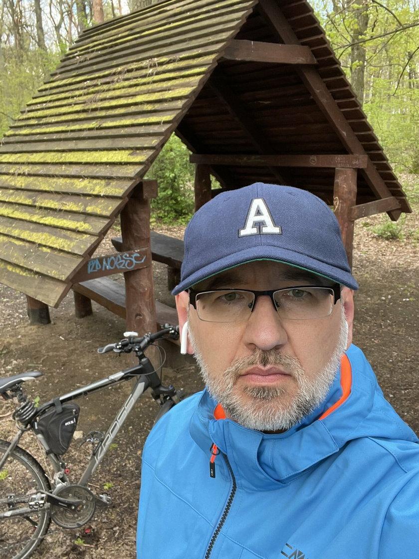 Minister zdrowia Adam Niedzielski bez maseczki. Zdjęcie wywołało burzę