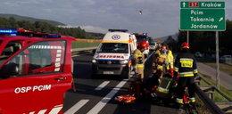 Makabryczny wypadek na zakopiance. Pasażer wyskoczył z jadącego auta