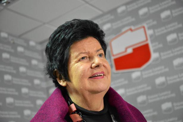 Joanna Senyszyn, profesor nauk ekonomicznych, polityk SLD, w latach 2001–2009 posłanka na Sejm IV, V i VI kadencji, od 2009 do 2014 r. posłanka do Parlamentu Europejskiego