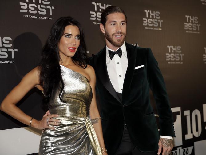Supruga Serhija Ramosa pokidala u Milanu: Od donje polovine haljine PADA MRAK NA OČI -  svi modni detalji SVEČANOSTI FIFE