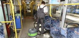 Wyczyszczą fotele w tramwajach