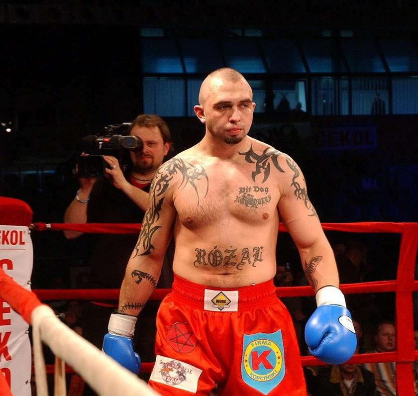 Polski sportowiec zrobił tatuaż na twarzy!