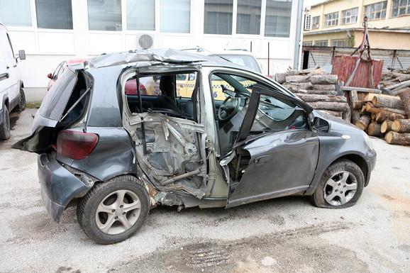 Automobil u kom su stradali tinejdžeri