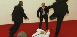 Zdewastował rzeźbę Jana Pawła II. Chciał ocalić papieża!
