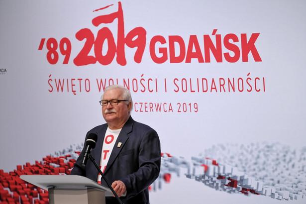 """Lech Wałęsa, który w majowych wyborach prezydenckich planuje głosować na Małgorzatę Kidawę-Błońską, określił ten wybór jako """"mniejsze zło"""". """"W tym stanie rzeczy Małgorzata Kidawa-Błońska to jedyny możliwy wybór"""" - zaznacza."""