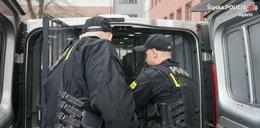 Dusił 10-latka, policjantów zaatakował nożem