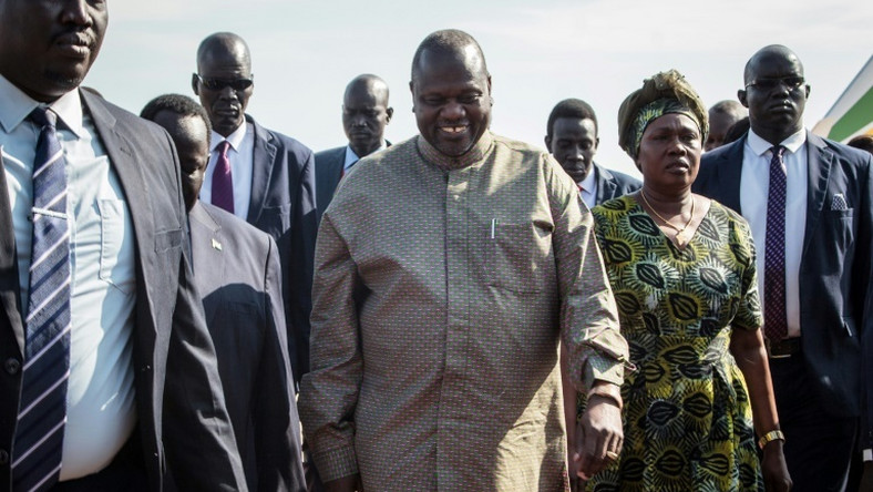 South Sudan's rebel leader Riek Machar is to be reinstated as vice president under the terms of the peace deal