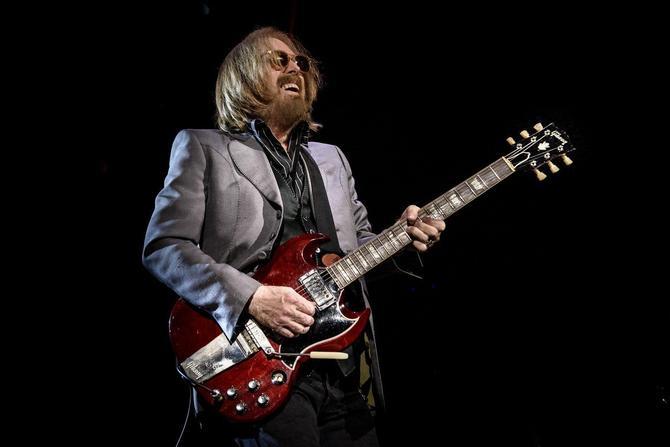 Tom i njegova gitara