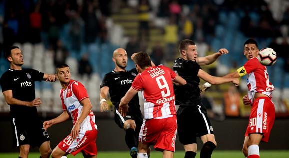 Detalj sa poslednjeg večitog derbija u finalu Kupa Srbije: Zvezda - Partizan 0:1