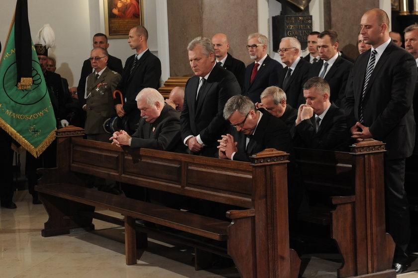Prezydenci Wałęsa, Kwaśniewski i Komorowski na pogrzebie Jaruzelskiego