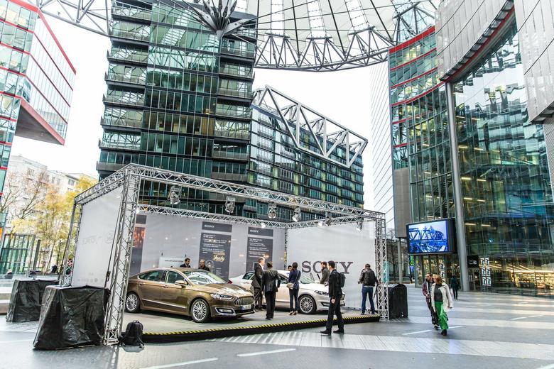 Ford Mondeo Vignale z systemem Sony: pokaz w Berlinie. Wersja seryjna i prototyp.