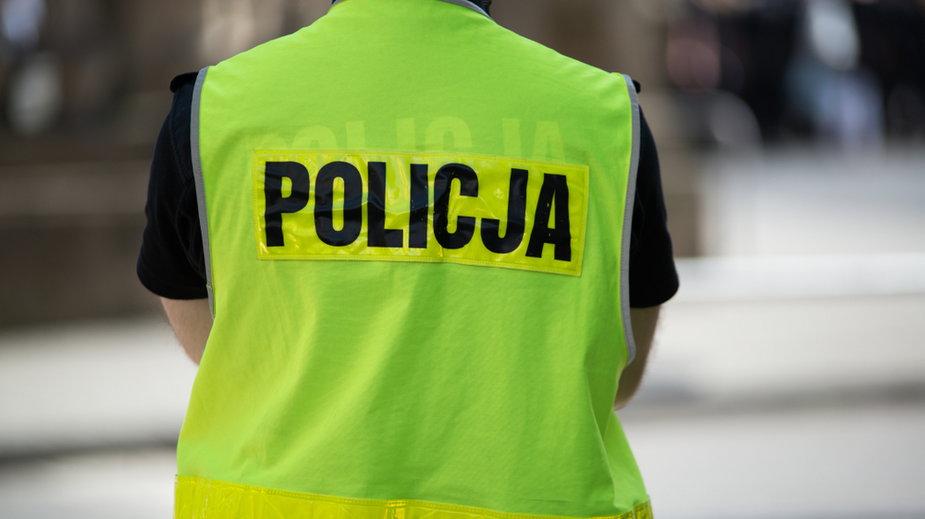 Czterolatka błąkała się po ulicy w Mławie. Przechodnie zareagowali