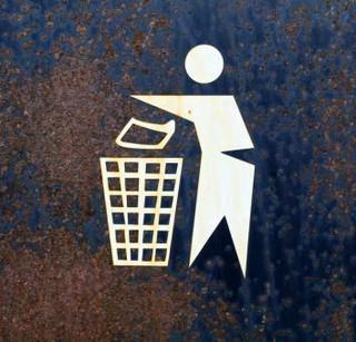 Firma nie uniknie opłaty śmieciowej od nieruchomości niezamieszkałych